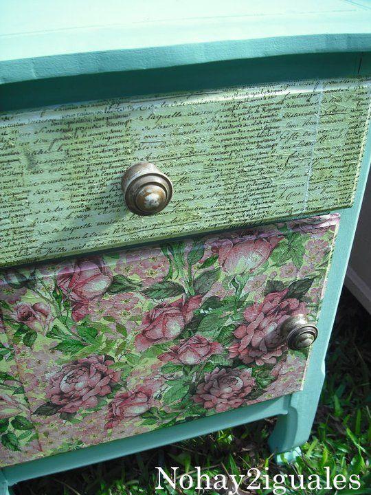 Mesa de luz reciclada estilo vintage en colores rom nticos for Decoupage con servilletas en muebles
