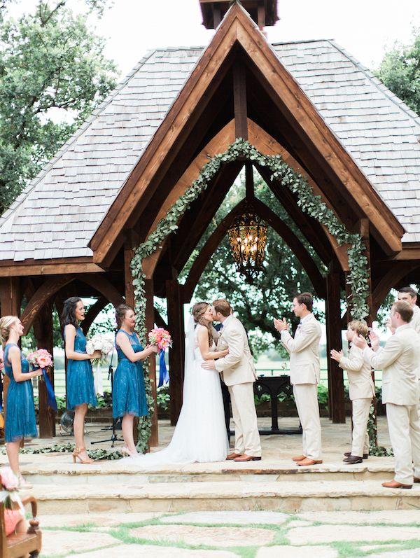 Classic Oaks Ranch Wedding By Anne Brookshire