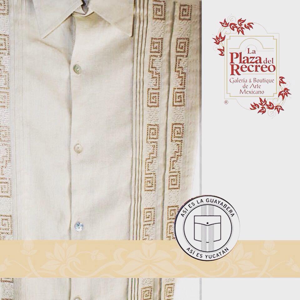 Guayaberas de lino fino con bordados únicos en tono beige que te hará lucir elegante en cualquier tipo de ocasión. Informes al tel. 924 88 21