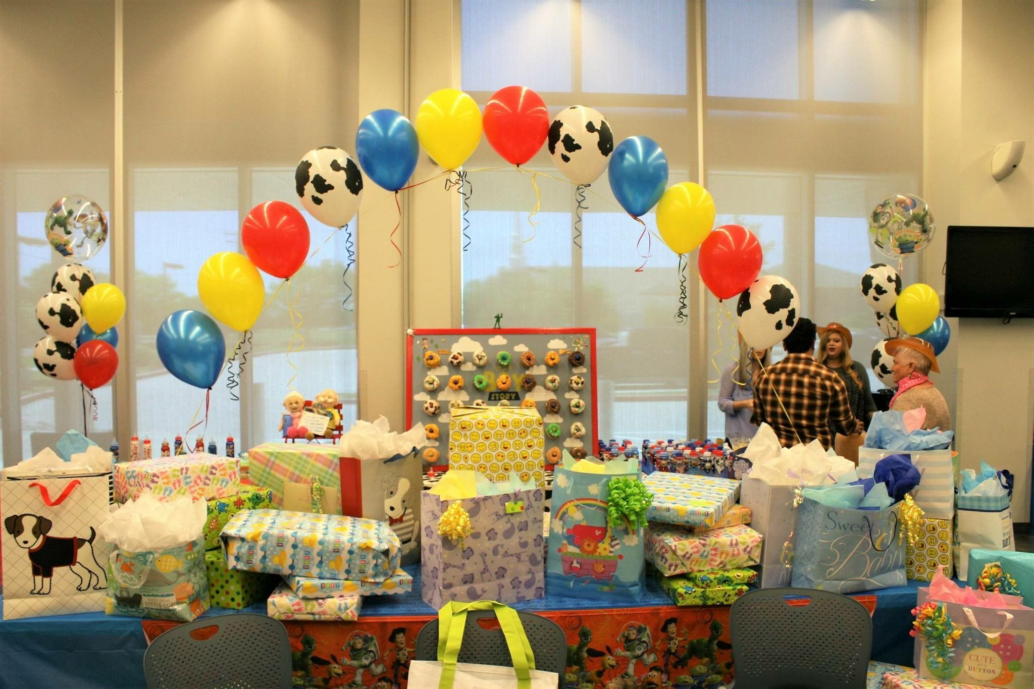 Toy story cowboy baby shower decoration ideas balloons ...