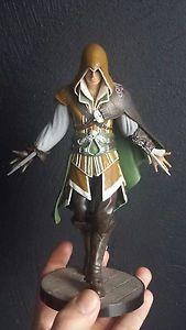 Assassins creed Tuscan Emerald Ezio statue / figure (assassin s creed 2)