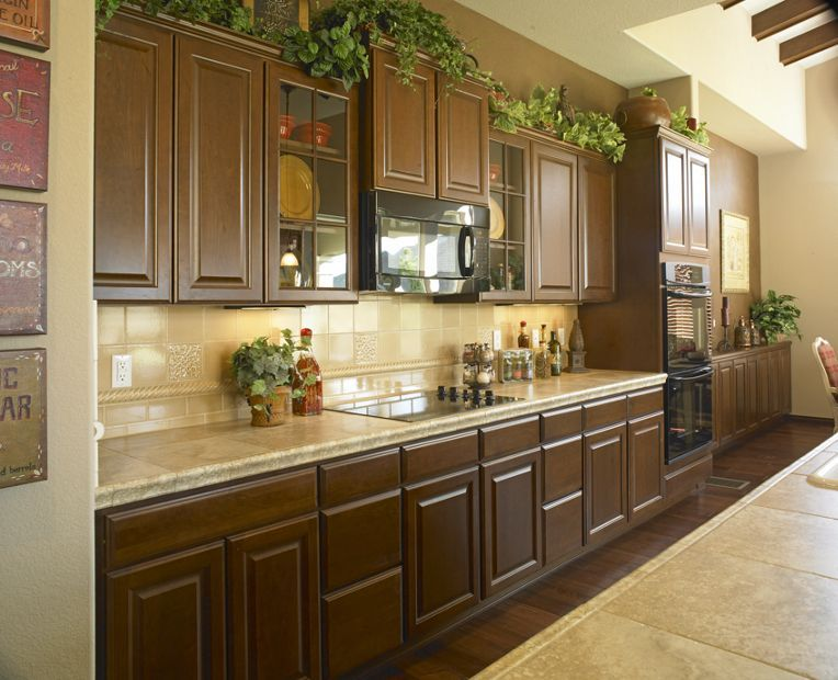 Swell Heritage Cherry Tuscany Mastercraft Cabinets Family Room Home Interior And Landscaping Oversignezvosmurscom