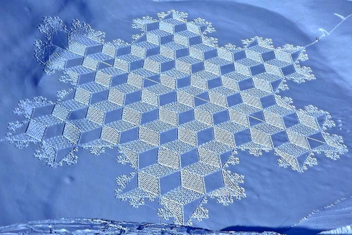 Artist Simon Beck must really love the cold weather! Along the frozen lakes of Savoie , France , he spends days plodding through the snow in raquettes (snowshoes), creating these sensational patterns of snow art. Working for 5-9 hours a day, each final piece is typically the size of three soccer fields! The geometric forms range in mathematical patterns and shapes that create stunning, sometimes 3D, designs when viewed from higher levels.