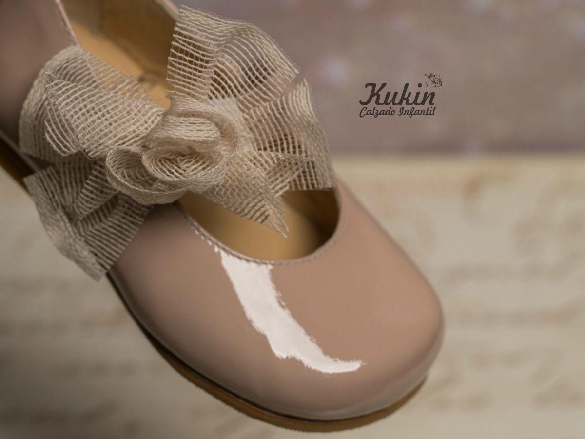 ca8af370961 Zapatos de ceremonia para niñas