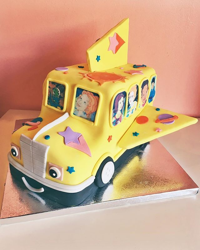 Magic School Bus Cake By 2tarts Bakery.