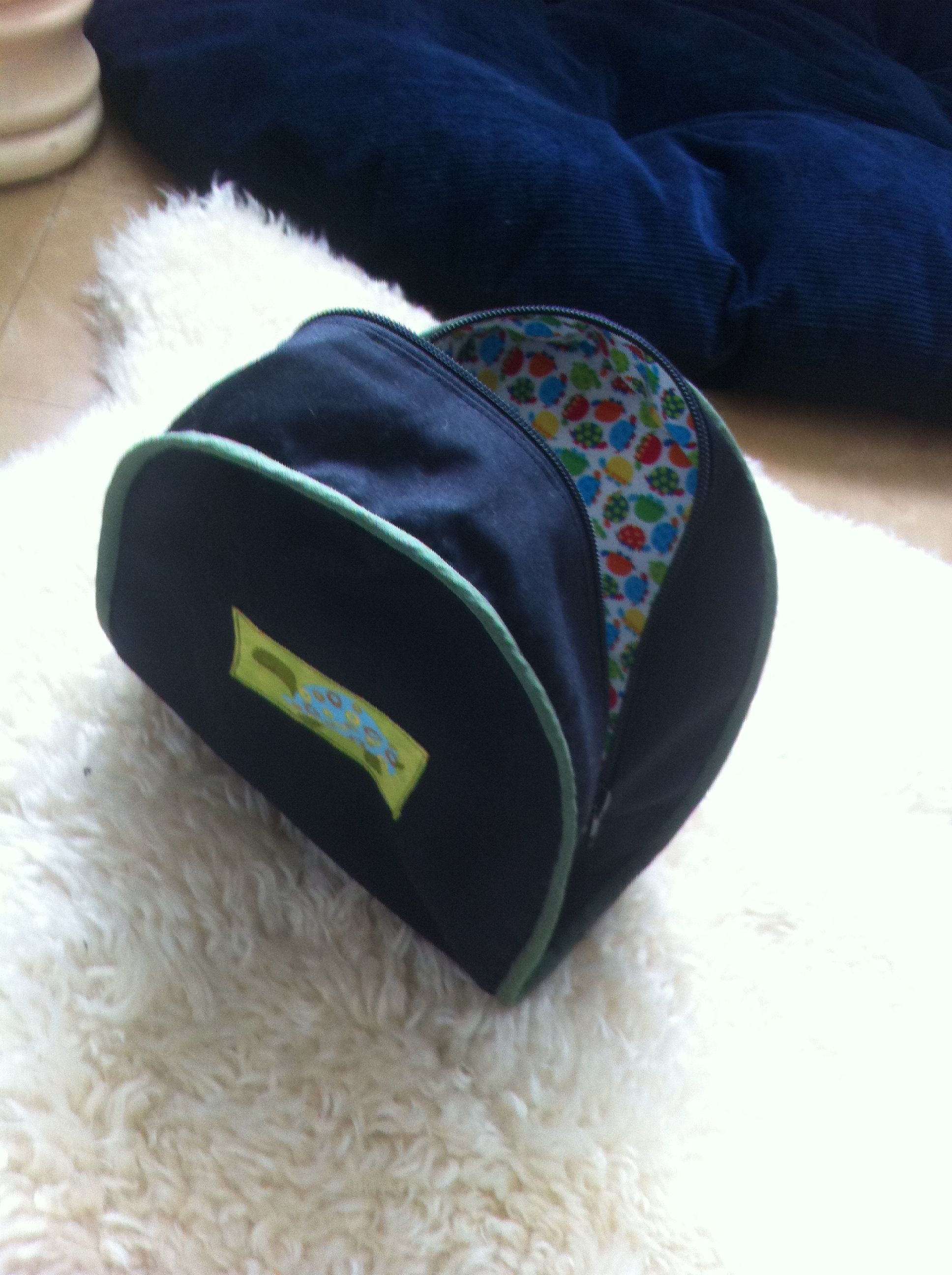 I made hubby a fishing rod bag and this reel case - now is that love or what!!