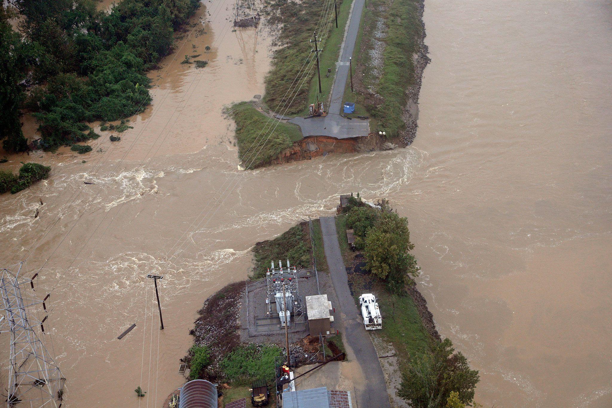 Erdrutsch nahe Coumbia Der US Bundesstaat South Carolina kämpft mit