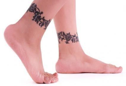 40 Beautiful Ankle Bracelet Tattoos Ankle Tattoos For Women Tattoos For Women Ankle Bracelet Tattoo