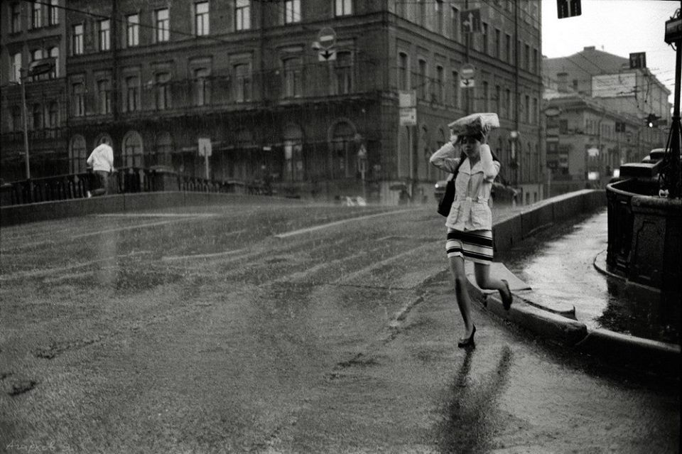 Rain. St. Petersburg. Photo by Yakov Agarkov, 2008.