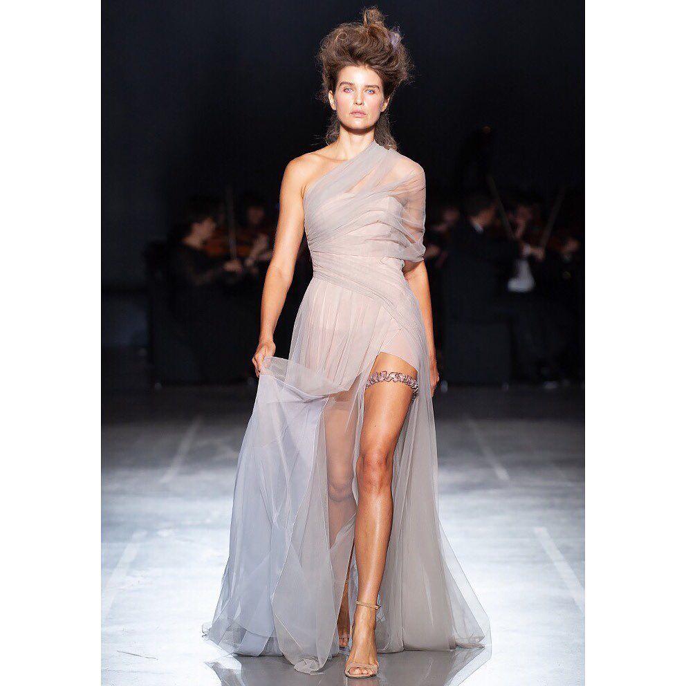 Платье от FROLOV, весна-лето 2020
