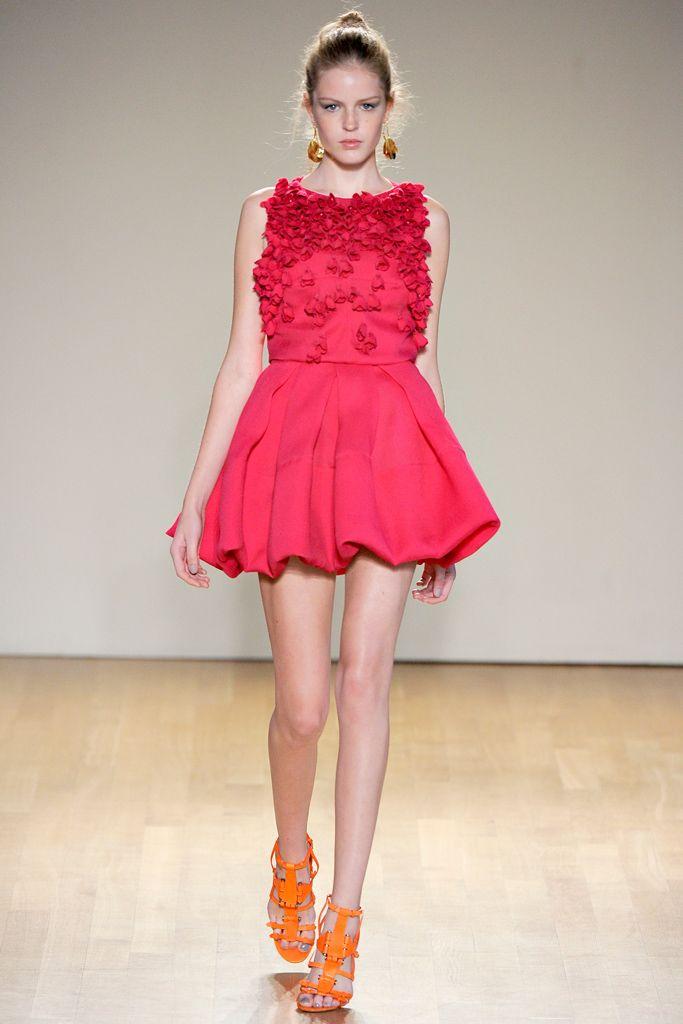 Antonio Berardi Spring 2011 Ready-to-Wear - Collection - Gallery - Look 1 - Style.com