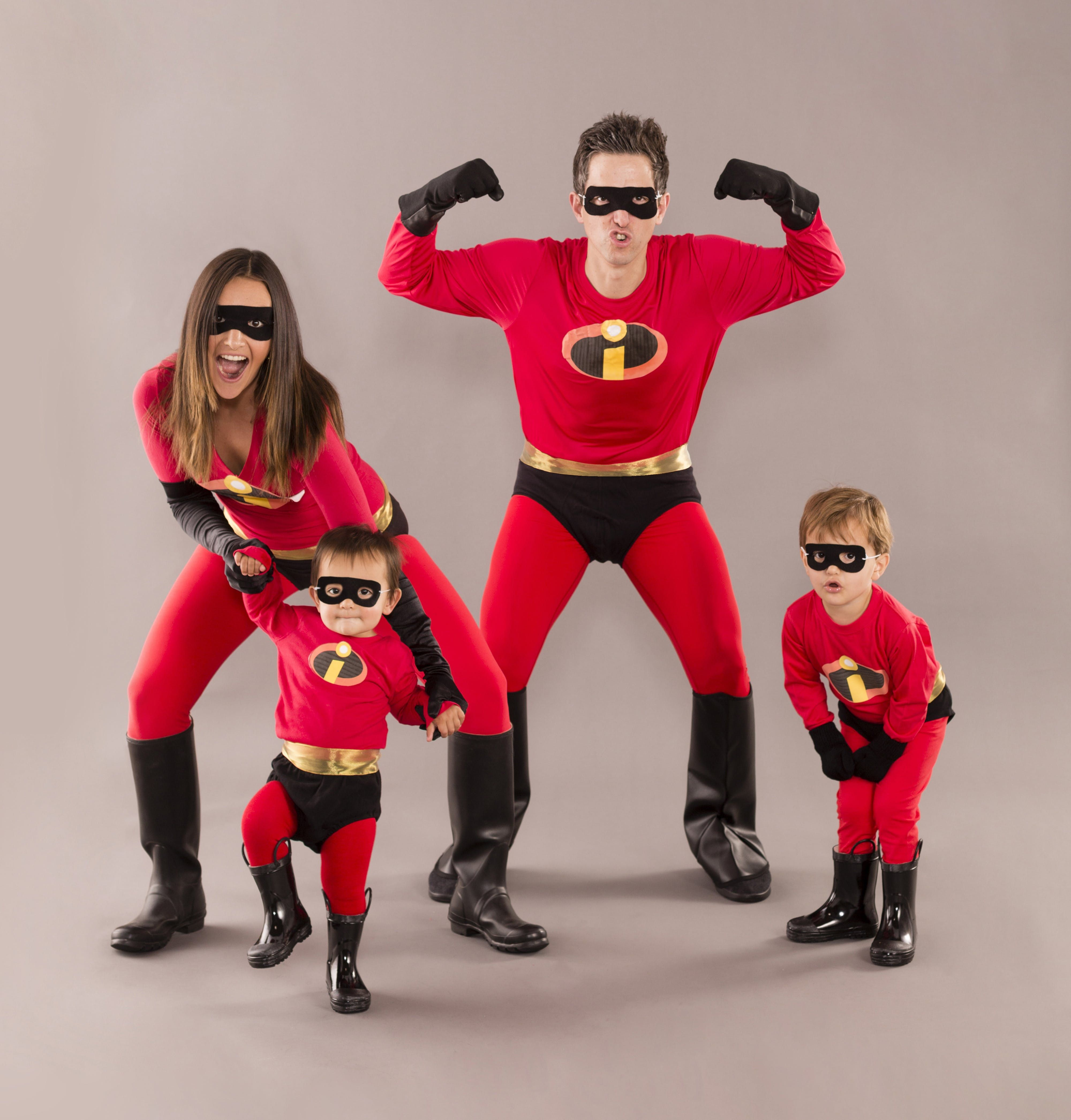 52 Clever Family Halloween Costume Ideas Family Halloween Costumes Superhero Family Costumes Super Hero Costumes