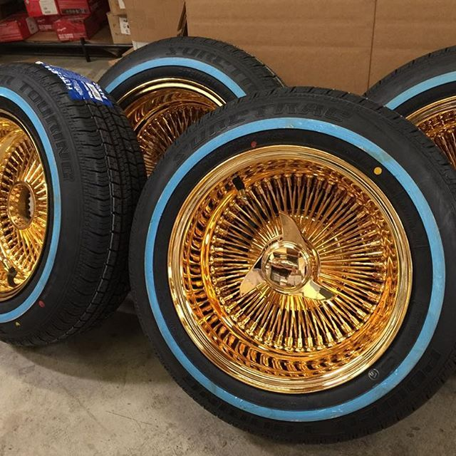 14x7 reverse 100 spokes all gold with 17575r14 white wall tires