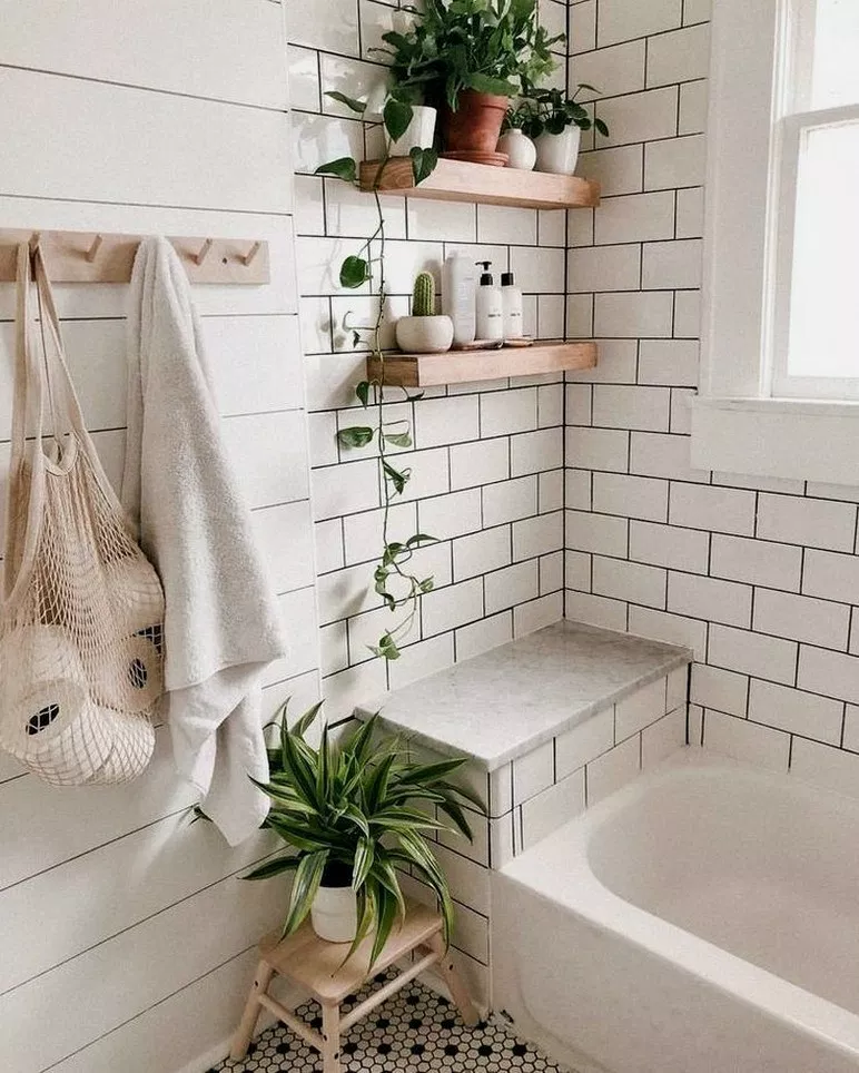 29 Modern Small Bathroom Decor Ideas On A Budget Smallbathroom Bathroomdesign Bathroomi Modern Small Bathrooms Small Bathroom Decor Modern Vintage Bathroom