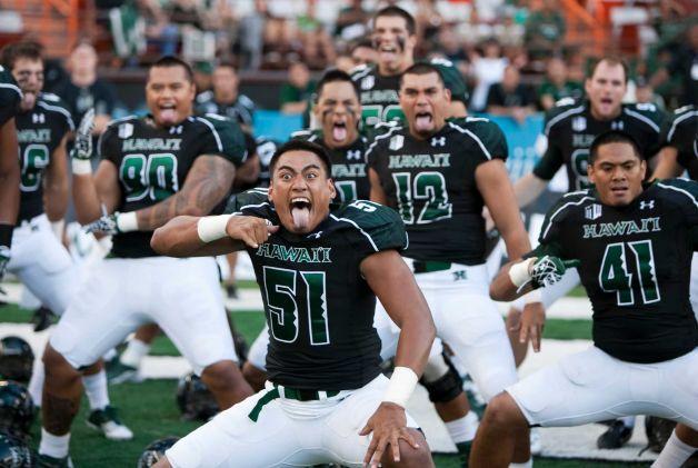 Lamar Loses Big At Hawaii Football Pinterest Hawaii