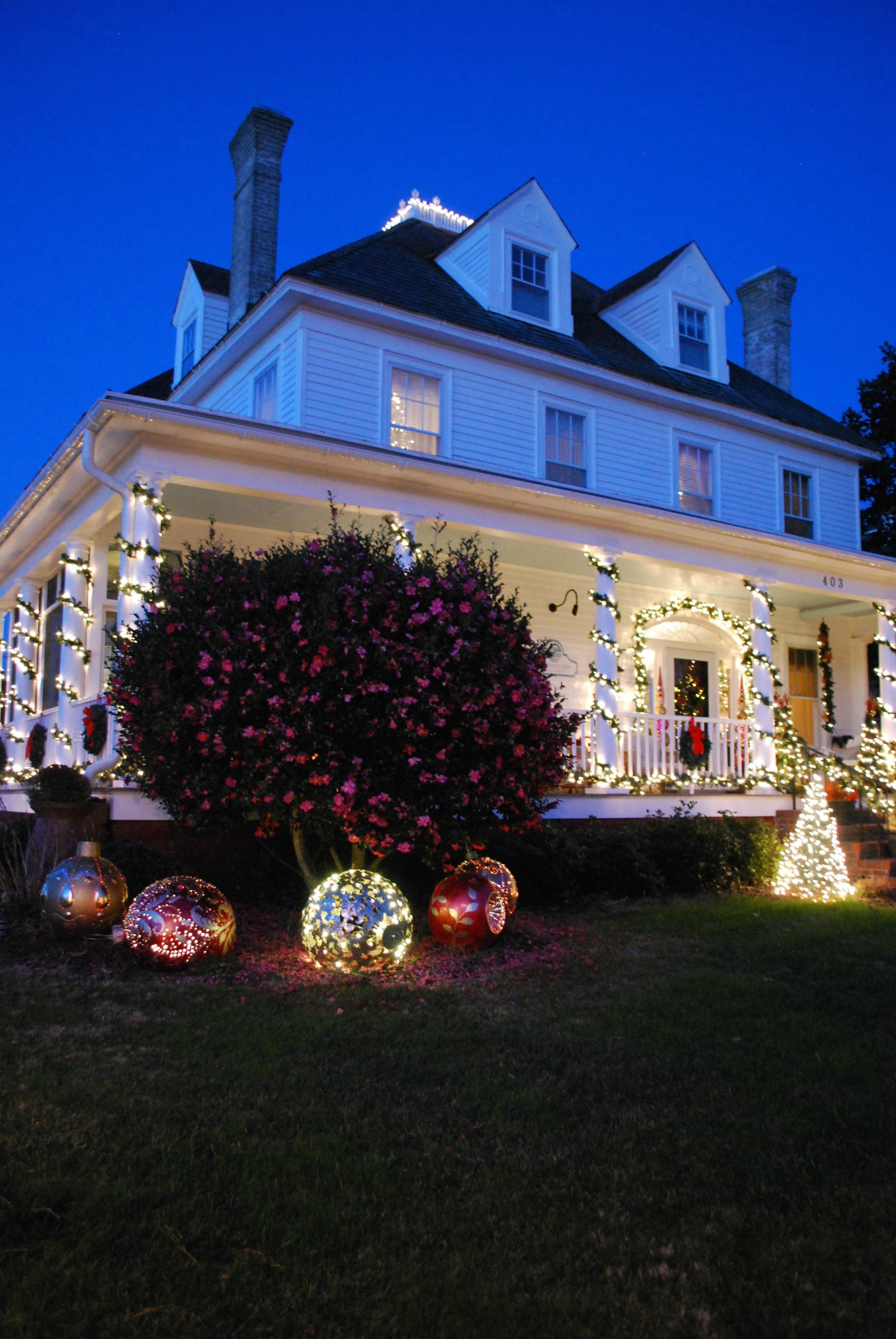 The Ultimate Holiday Decor Challenge Outside Christmas