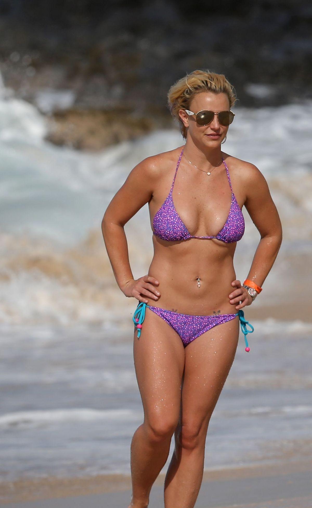 Brittany Spears Bikini Pics