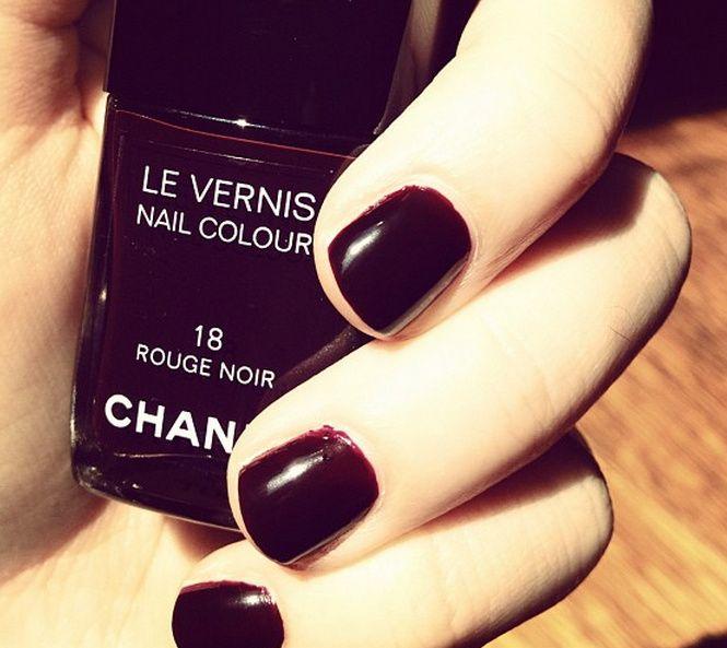 Chanel. Rouge Noir 18.