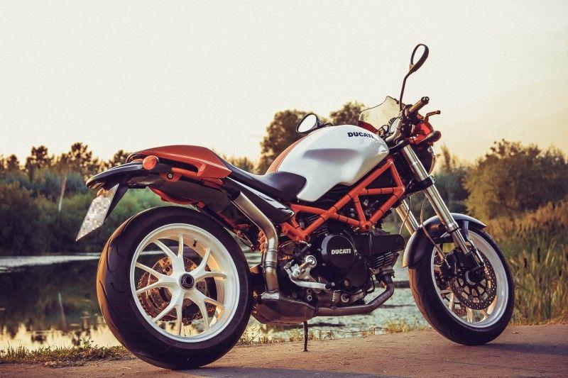 Подборка фотографий Ducati #HyperMonster 695 (Monster с консольным маятником от Hypermotard). / Блог им. iMan / БайкПост