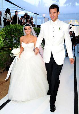 Looovvee Her Dress Kim Kardashian Wedding Dress Kim Kardashian Wedding Kardashian Wedding