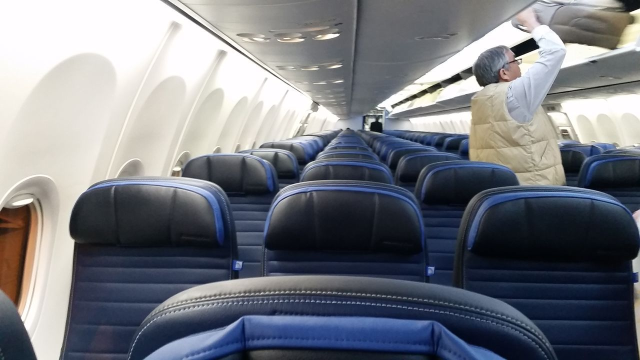 United Airlines Fleet Boeing 737-900ER Details and Pictures ... on delta 737 900 seating map, boeing 737 seat map, united 737 seat map, south west 737 800 seat map,