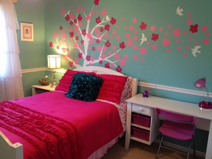 pink flowers murals in girls bedroom - Creative Girls Rooms