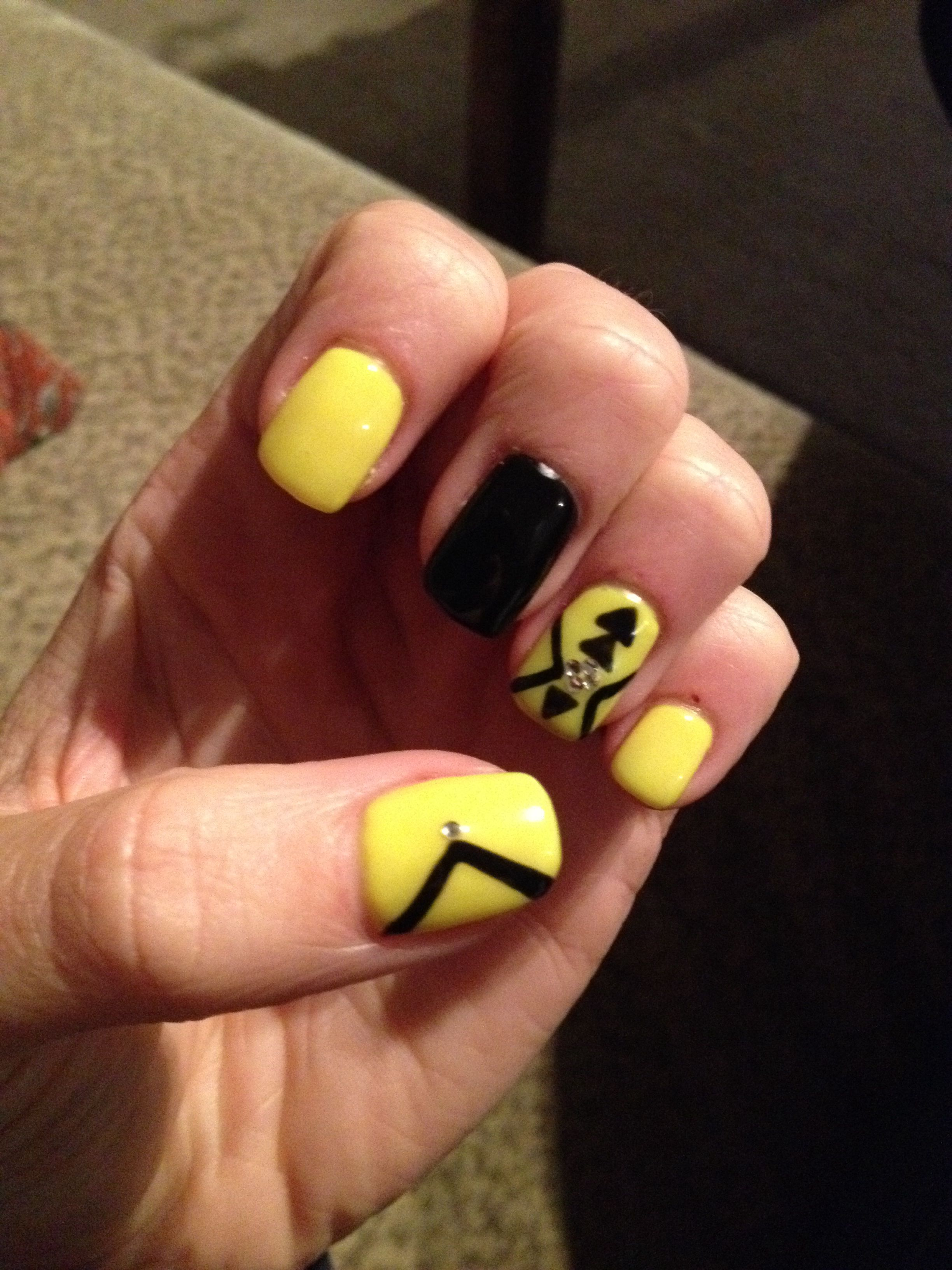 Fluro Yellow And Black Gel Nails By Tatyana Petkova Clark At Pampered To Perfection Timaru Black Gel Nails Gel Nails Nails