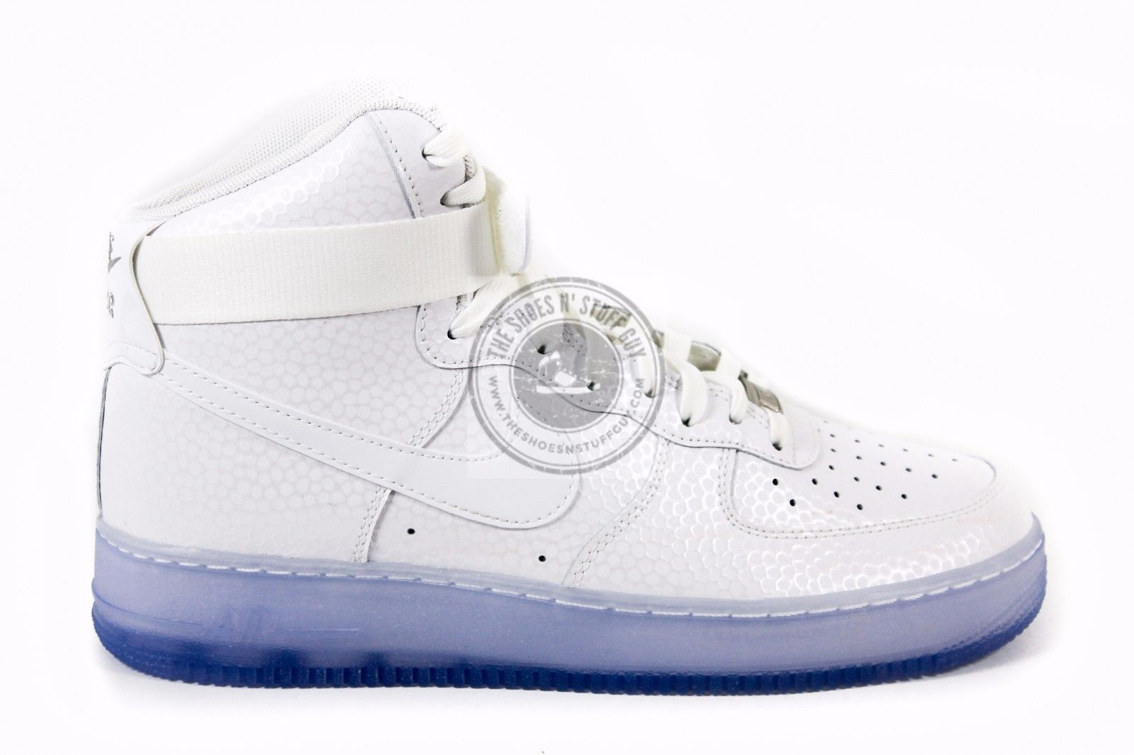 big sale 4a1f1 f9fd9 New Women s Nike Air Force 1 HI PRM Athletic Sneakers 654440 101 White Size  11