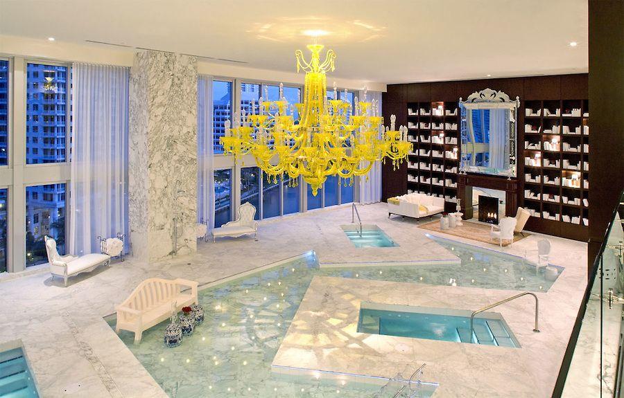 Icon Brickell Miami designed by Philippe Stark, Robin Hill