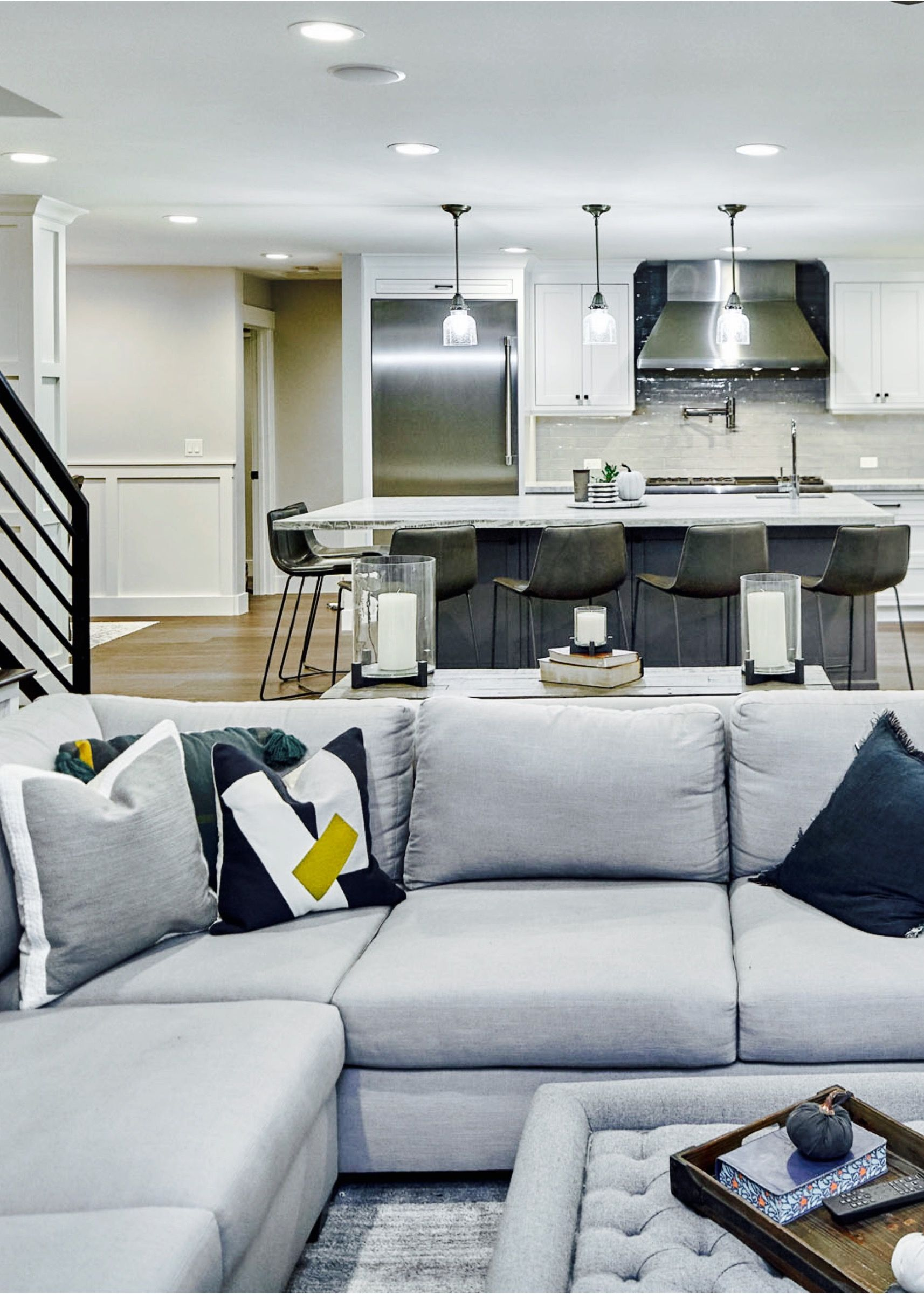 Contemporary Livingrooms Kitchens