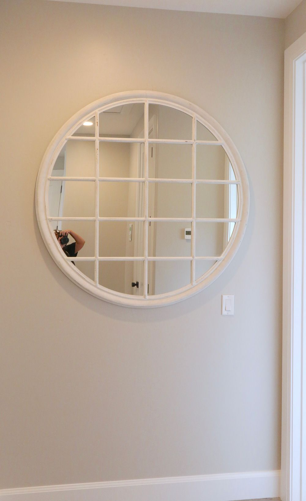 Finding The Prefect Mirror That Reflect Your Style And Taste Round Mirrors Mirror Window Mirror