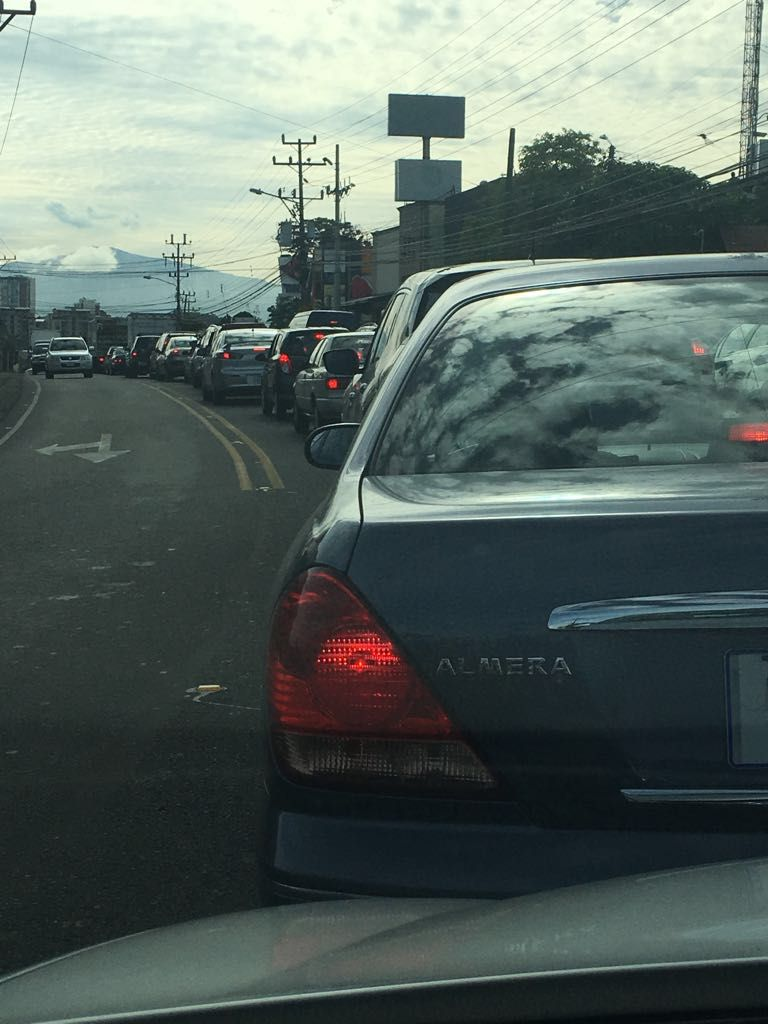 Dos choques complican el tránsito por Ruta 27 y Circunvalación