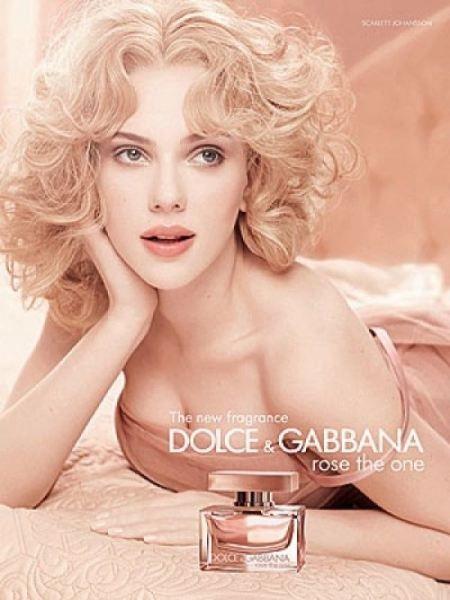 Fragrance LookScarlett First New Gabbana's Johansson For Dolceamp; Lq35Aj4R