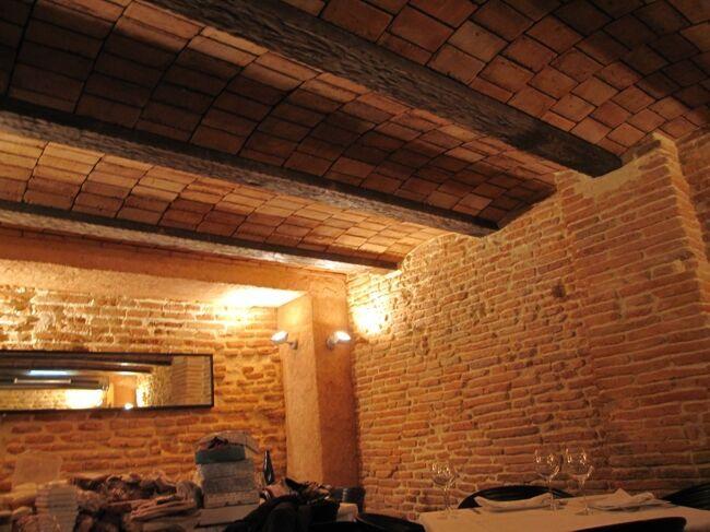 Decoraci n de restaurantes con piedra artificial bovedas - Decoracion con piedra ...