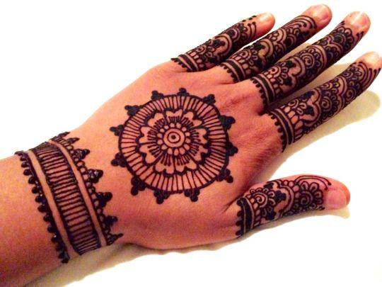 Henna Designs & Art