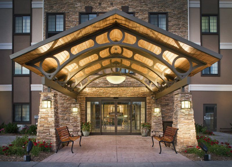 Staybridge Suites in Omaha, NE (full kitchen and less than