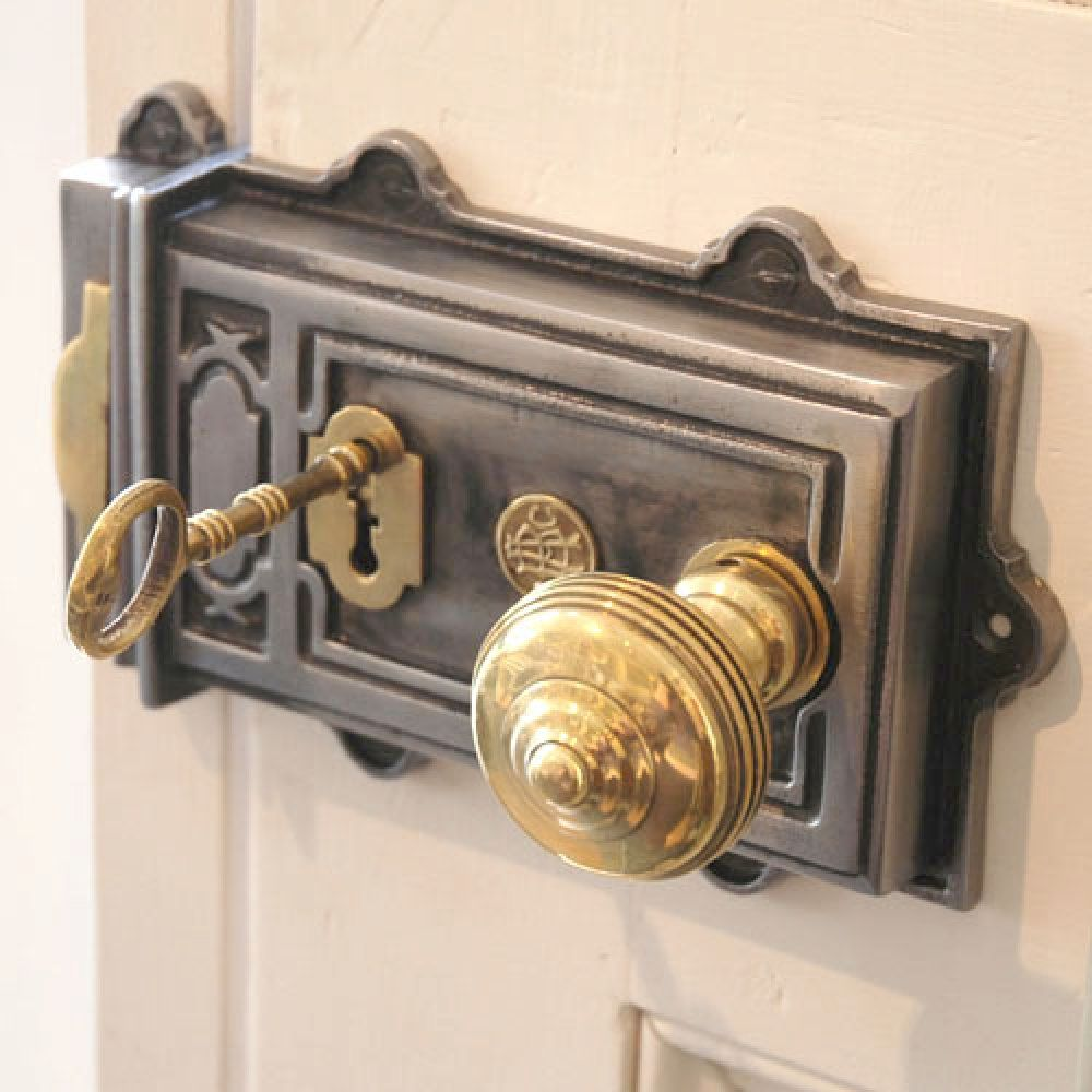 A lovely large cast iron rim lock with brass detailing. Typically found on  Victorian doors, the rim latch is sure to make a statement! - Large Cast Iron Rim Lock House Items Pinterest Iron