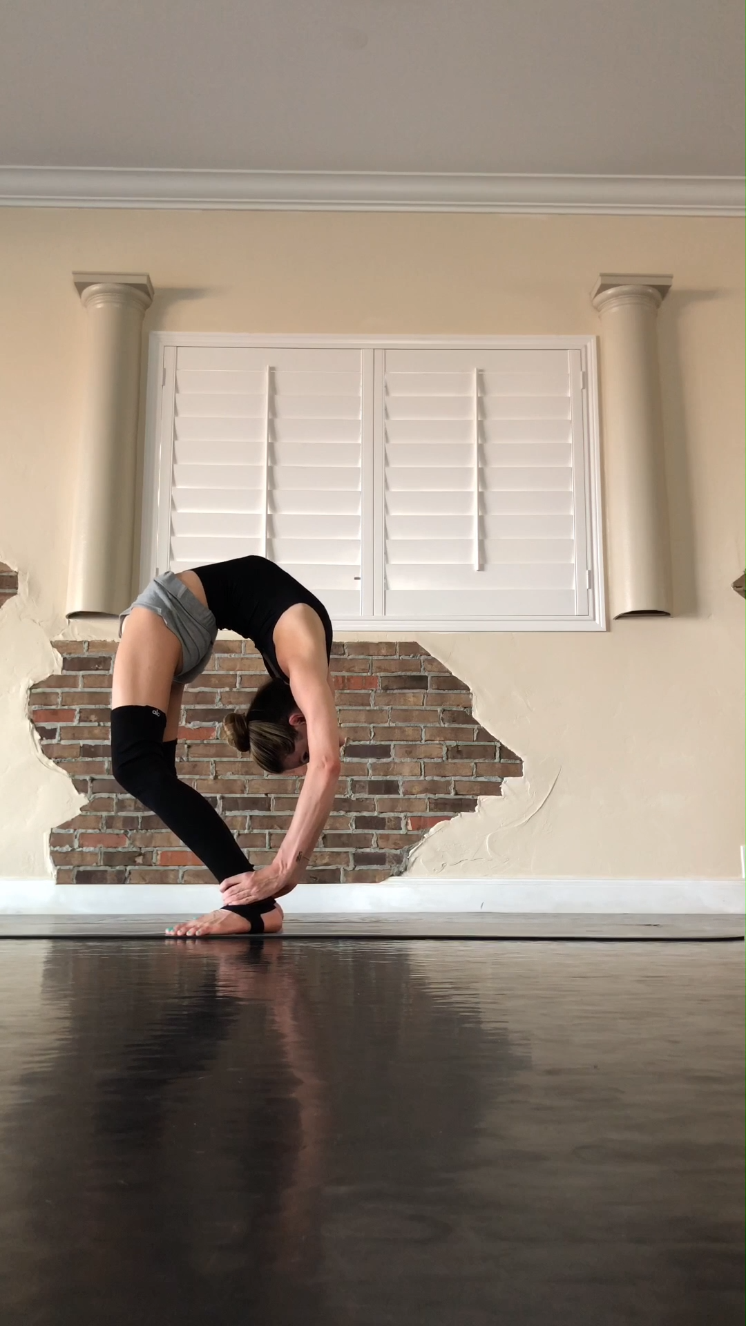 backbends, handstands, and flexibility all wrapped into one flow. #yoga #fitness #Exerciseposesforwe...