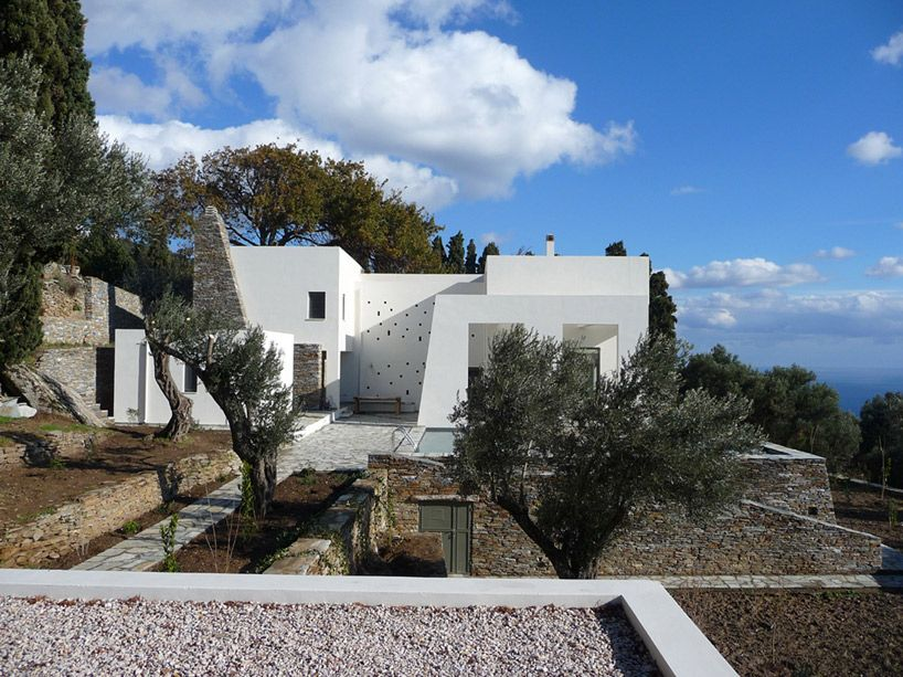 klab-architecture-emasies-house-on-andros-island-02