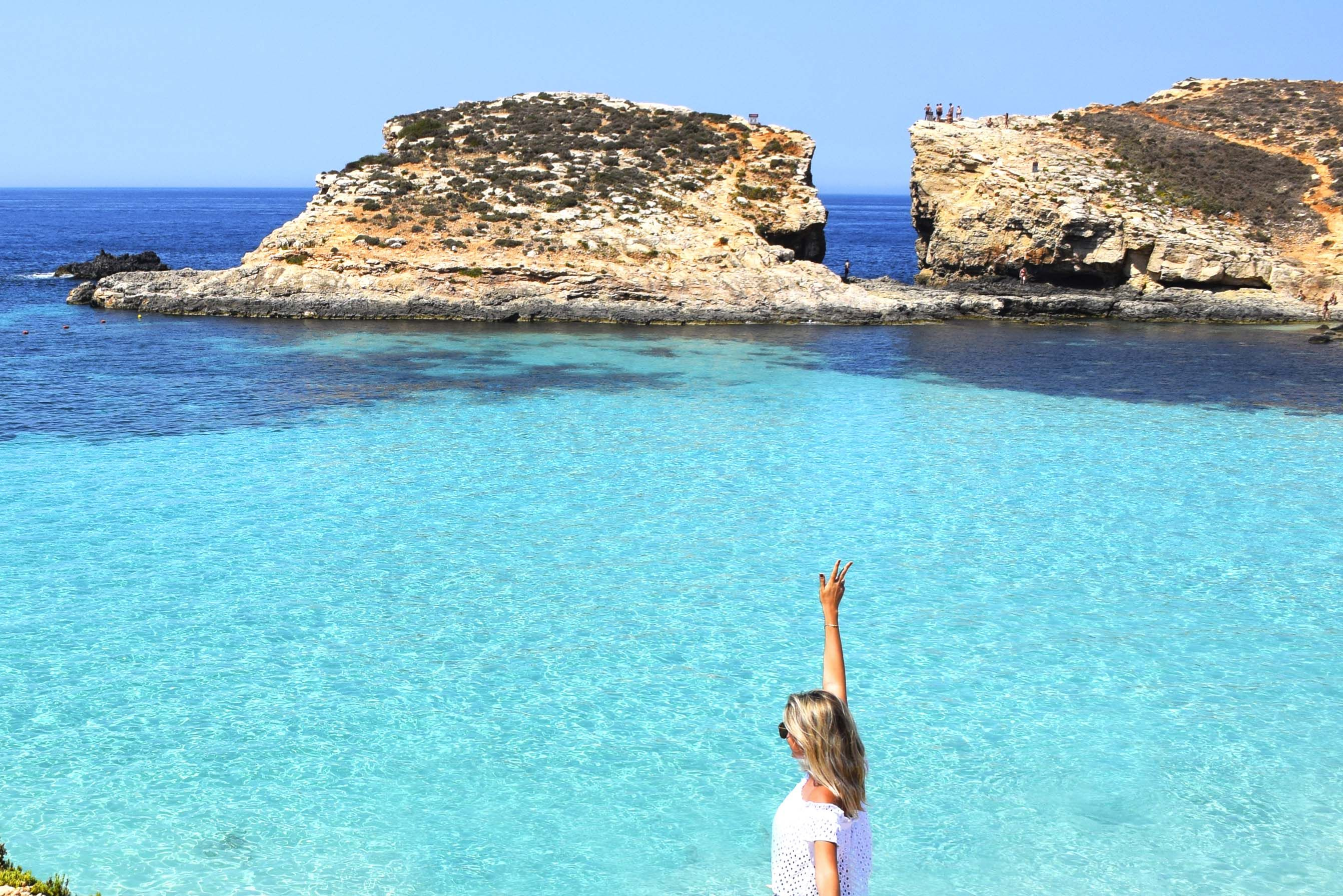 Blue Lagoon Na Ilha De Comino Em Malta Foto Lala Rebelo Praia Lugares Incriveis Mundo
