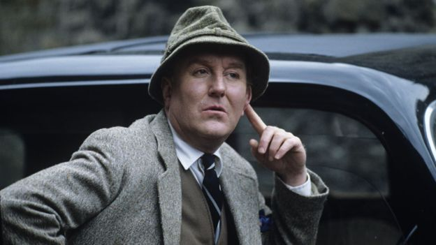 Robert Hardy A Life In Pictures Robert Hardy Classic Man Well Dressed