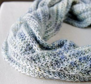Cool breeze infinity cowl breeze infinity and warm weather find 9 infinity scarf patterns to knit today in this exciting collection of free knitting patterns included are patterns for the cool breeze infinity cowl dt1010fo
