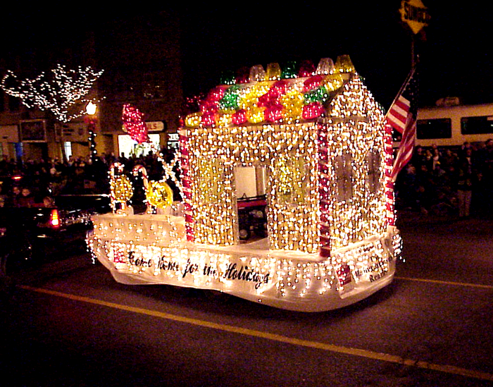 Christmas Float Ideas With Lights.Fantasy Of Lights Parade Fun Around Town Christmas