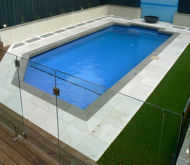 BLUESTONE POOL EDGE COPING WITH A DROP FACE WITH WHITE ...