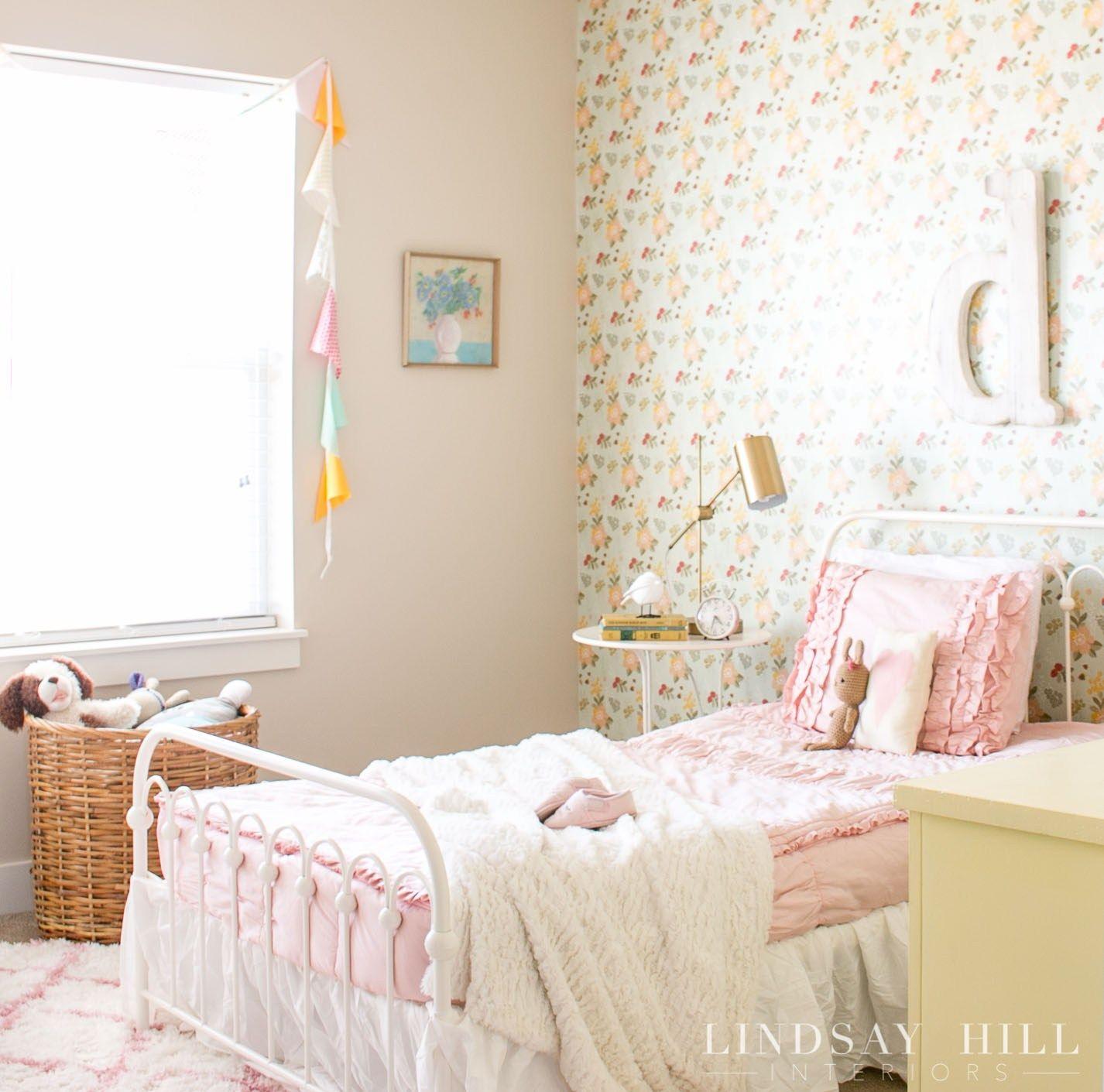 Girls Room Floral Wallpaper