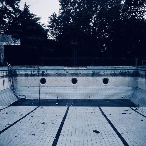 Swimming Pools, The Neon Demon