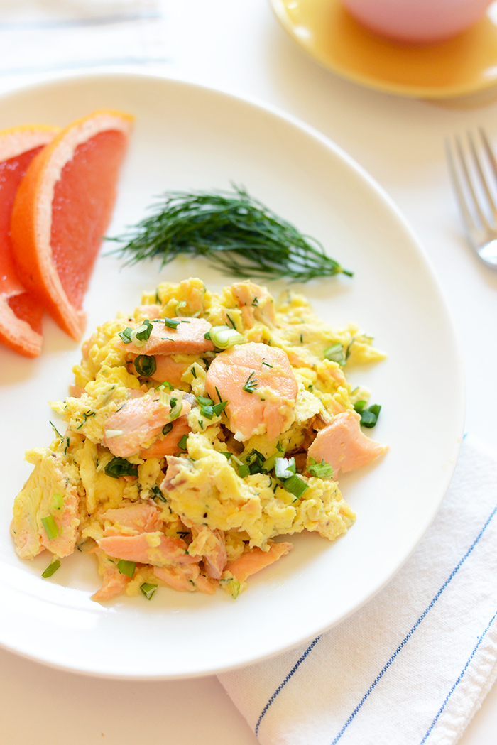 Got leftover salmon? Make this protein-packed dill salmon scramble that's made with just a few ingredients and seasonal flavor!