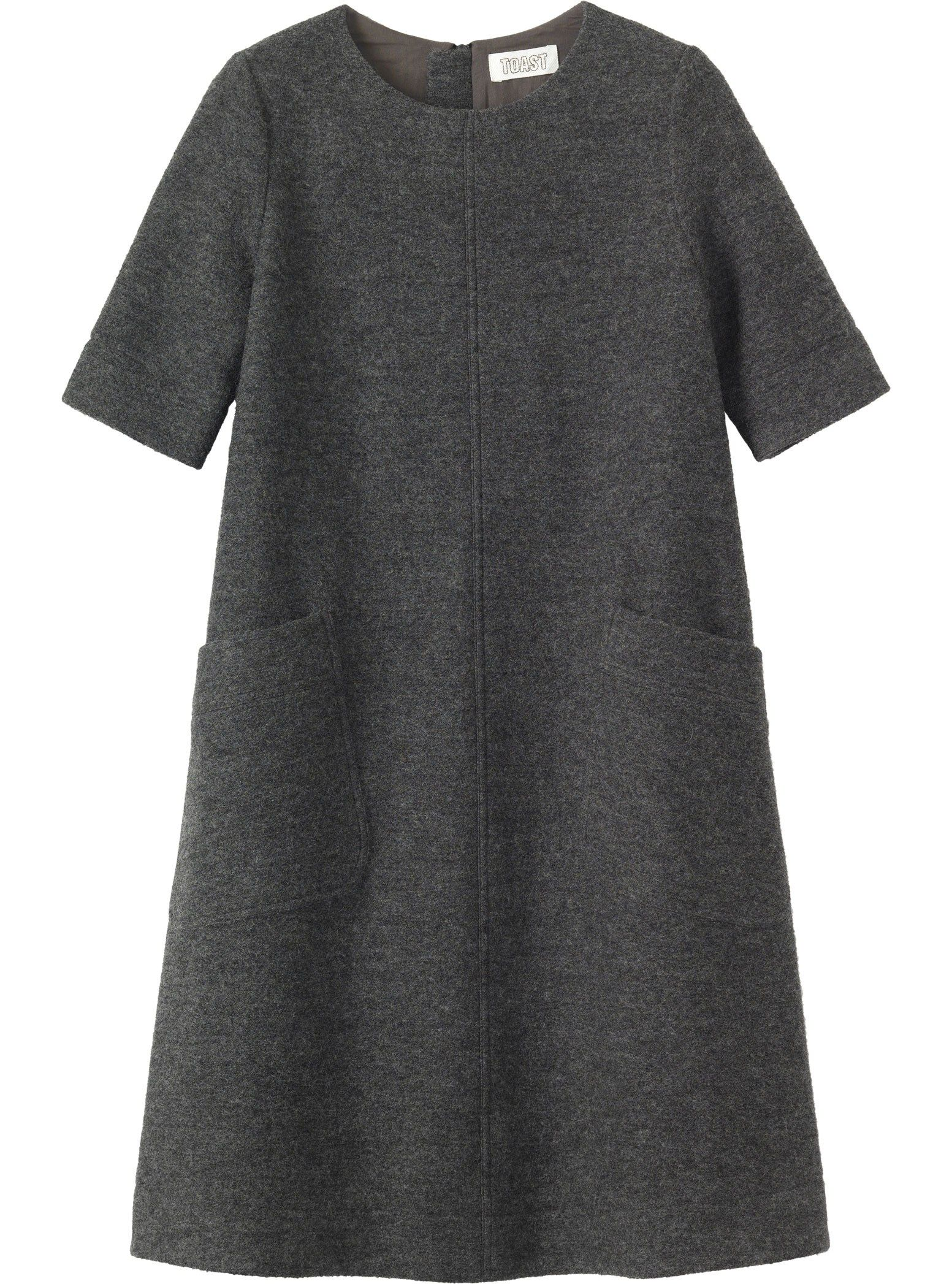 Aline dress with just above elbowlength sleeves and two slanted