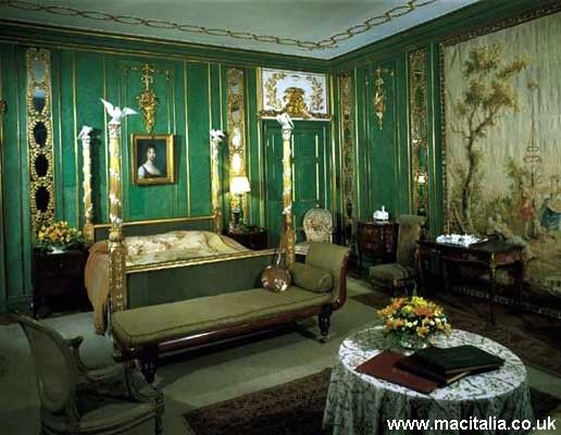 Green   gold regal bedroom Love the green with silver instead     Green   gold regal bedroom Love the green with silver instead