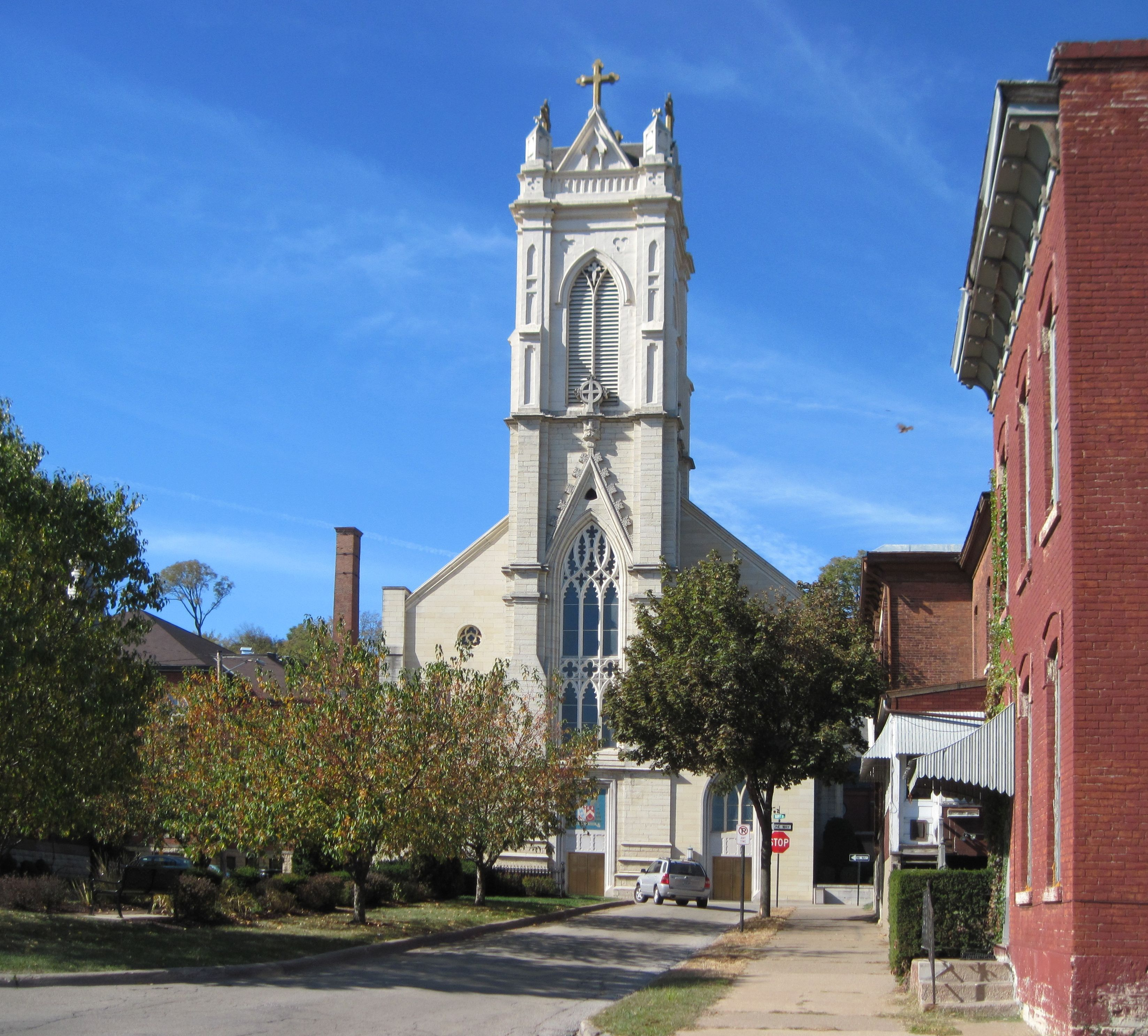 Last Days Of St Raphaels Cathedral >> The Oldest Church In Dubuque Ia St Raphael S Cathedral Dubuque